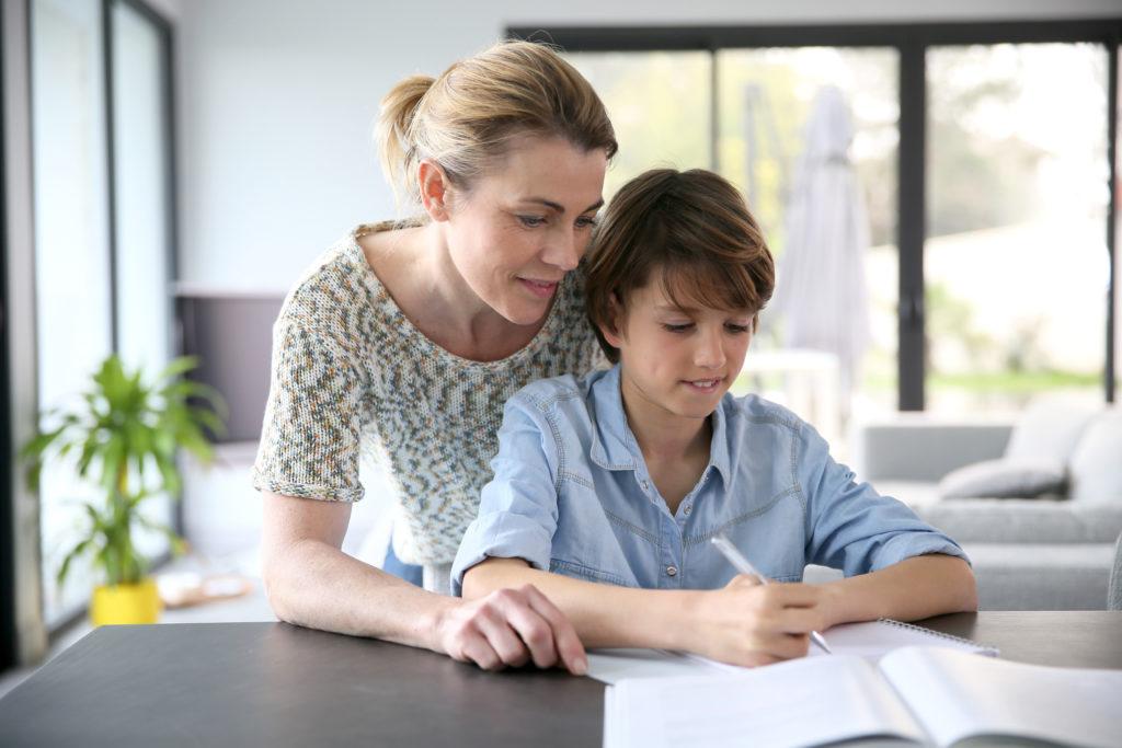 Vous ne savez plus comment aider vos enfants pour qu'ils s'épanouissent à l'école ou au collège